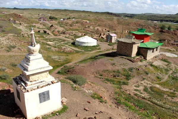 ongiin khiid monastery ruin in ongi river